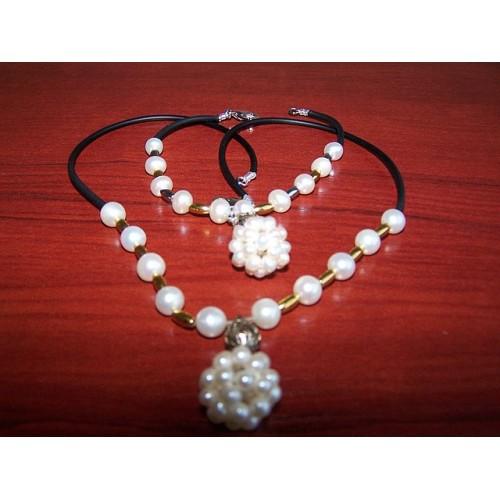 Ожерелье и браслет из морского жемчуга Акойя